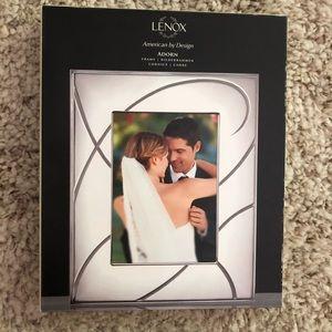 New in box LENOX adorn frame